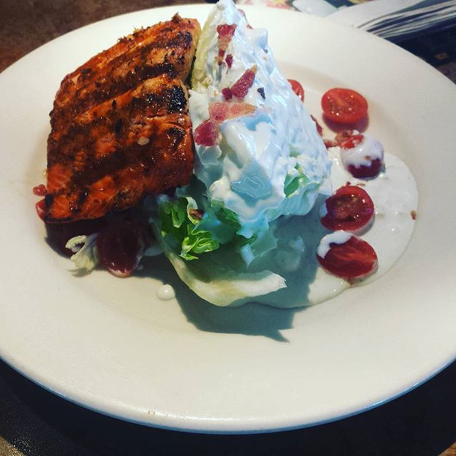 Wedge salad, bacon, tomato, iceberg, extra blue cheese dressing and side of salmon. #ketomeals #lchf #highfat #lowcarb #ketodiet #ketocarole