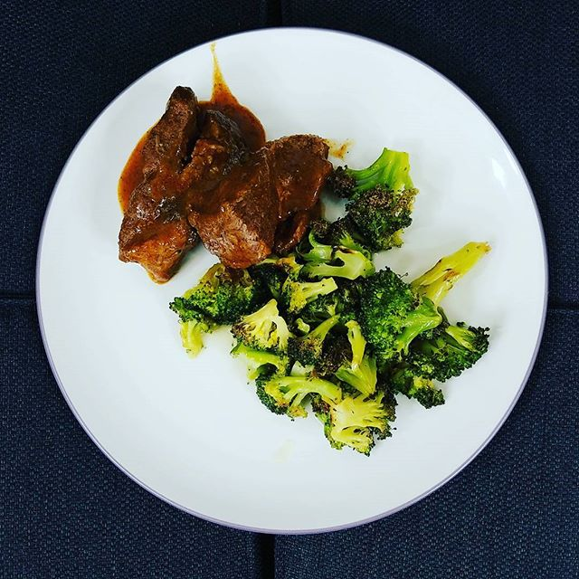 #instantpot pork ribs with blasted broccoli and butter #lchf #ketodiet #lowcarb #highfat #butter #buttermakesyourpantsfalloff