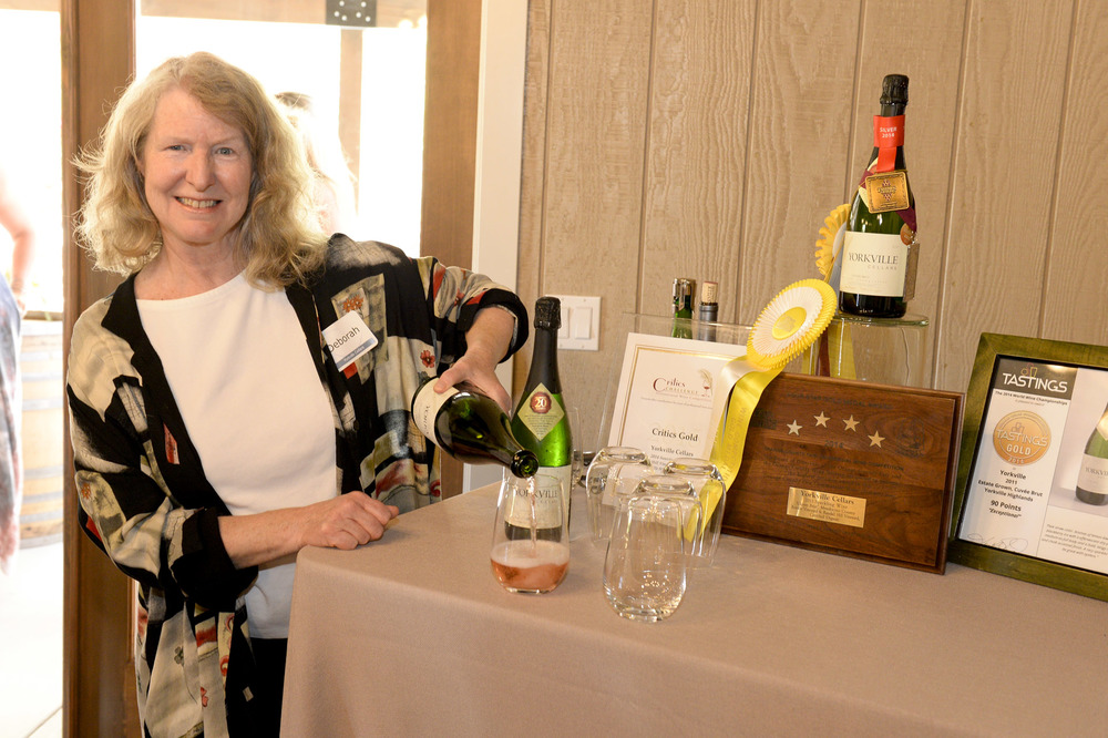 Yorkville Cellars pouring at The Highlands Estate