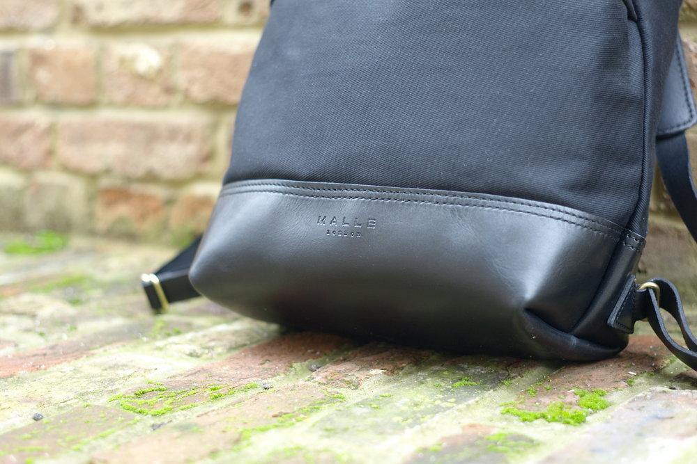 Casual snob John Hybrid Backpack 3.JPG