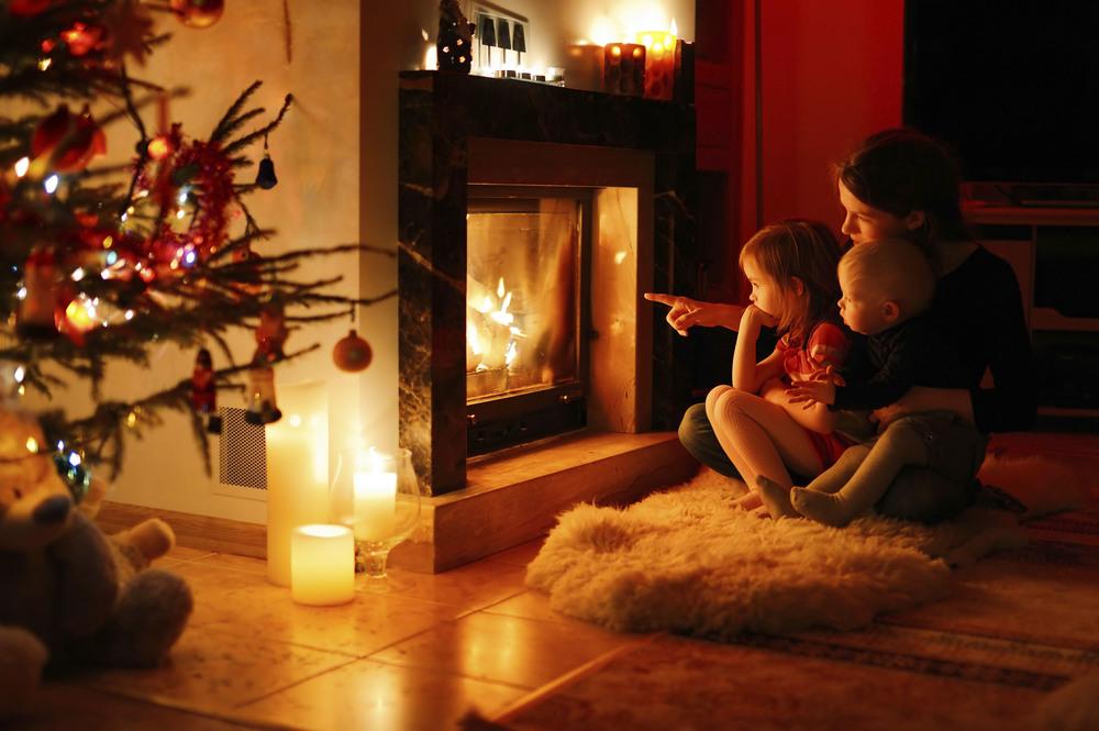 Fireplace_MomandKids_Web.jpg