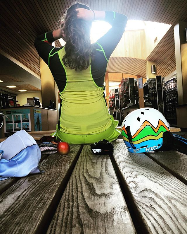 Thanks @karitraa for this awesome top. Training in 80 degree heat is tough but not terrible when you get to wear something like this. #skiingintheheat #breezyback #colorinterest #mtbachelor