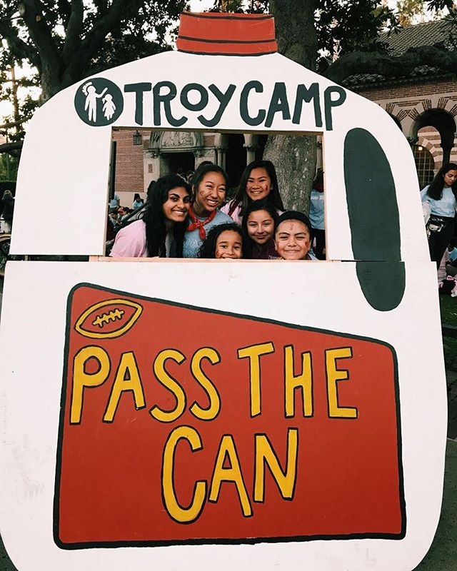 Pass the Can is one of Troy Camp's biggest fundraisers and this year Smart + Final generously donated all our campers and counsellors food for the game! Thank you from all of us (and our stomachs)! 🍽