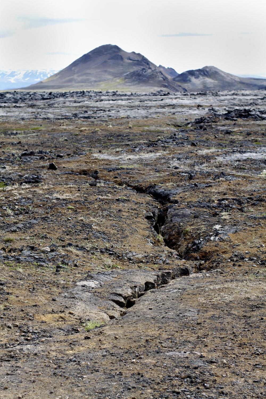 Volcanic-Crack.jpg