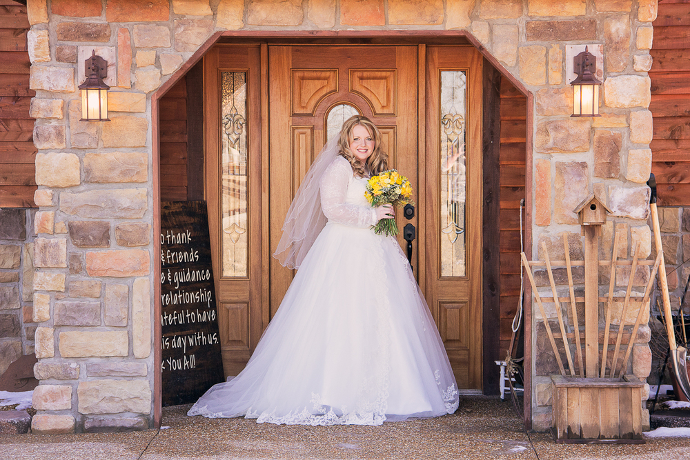 bride_front_of_building
