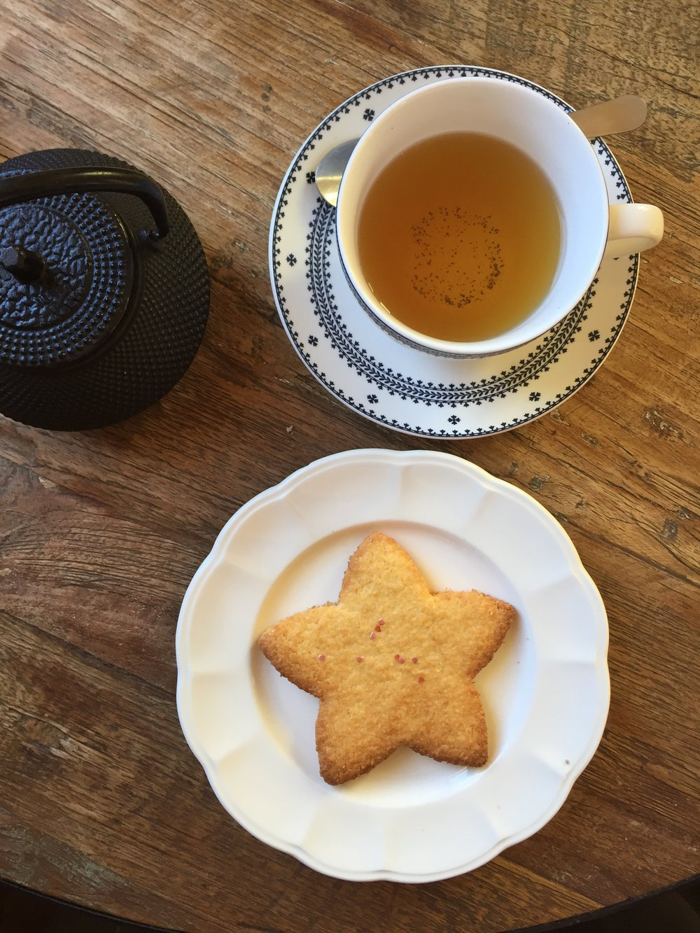 Housemate Coconut Shortbread & Tea