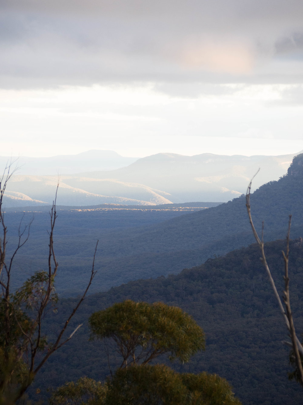 View from Echo Point Lookout in the late afternoon