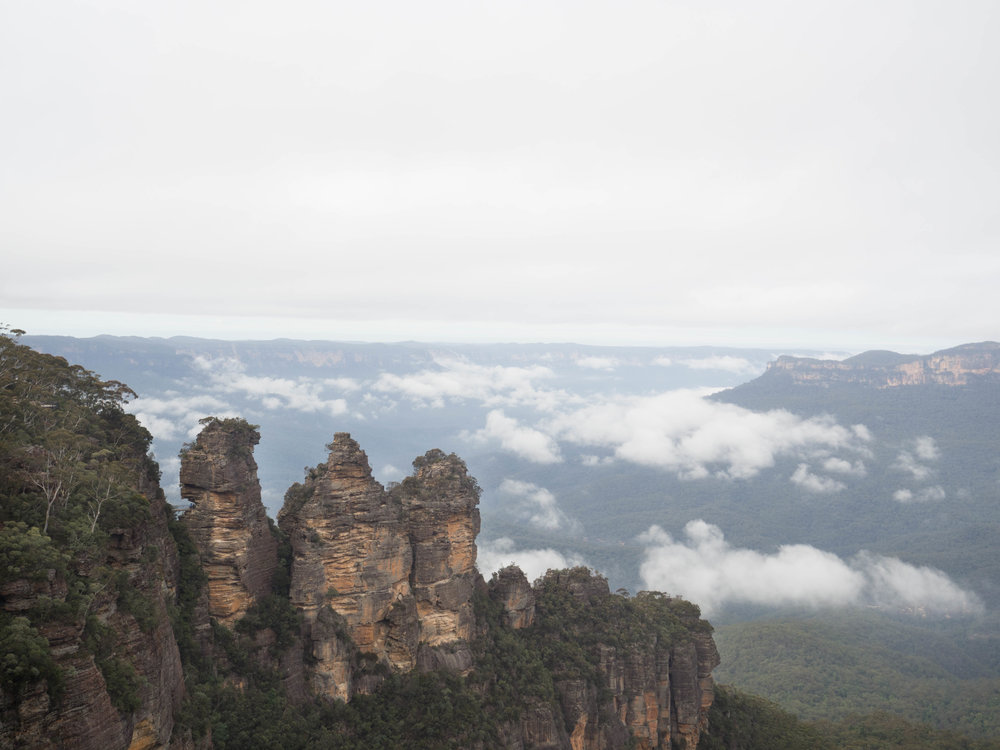 Three Sisters from Echo Point Lookout, mid morning