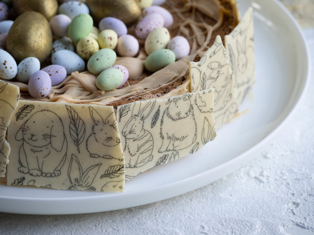 White Chocolate Bark from Bakedown Cakery, illustrations by Dawn Tan.
