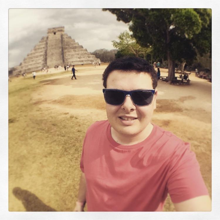 Chichén+Itzá,+Yucatan,+Mexico.jpeg
