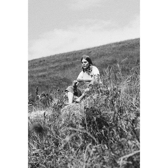 From the simple music video I made with @rosiefea last week 🌾