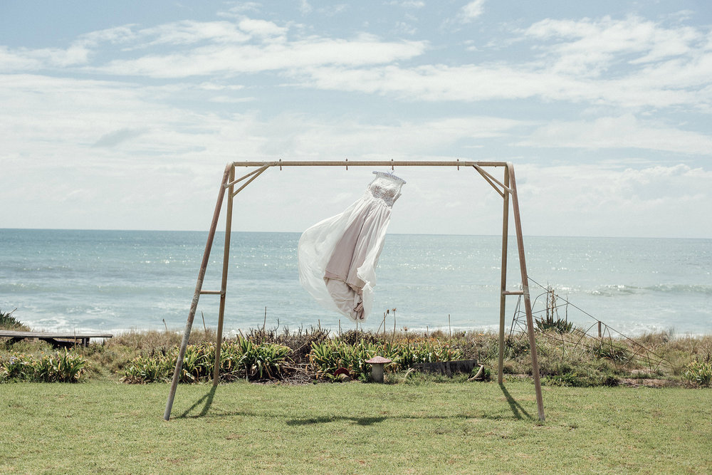 Wedding photography dress wind beach