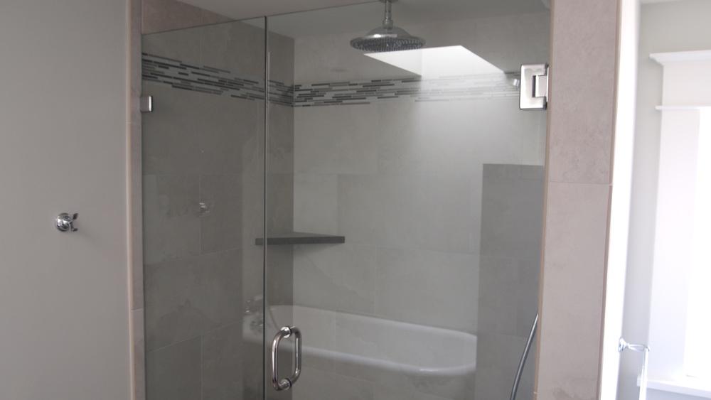 8Ballard bath.jpg