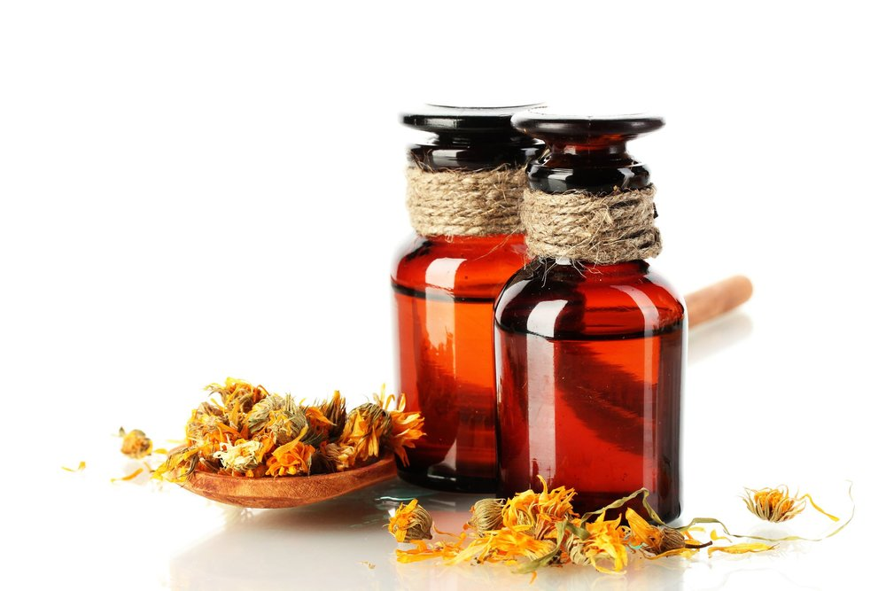 calendula-essential-oil-flower-dried-aromatherapy-homemade.jpg