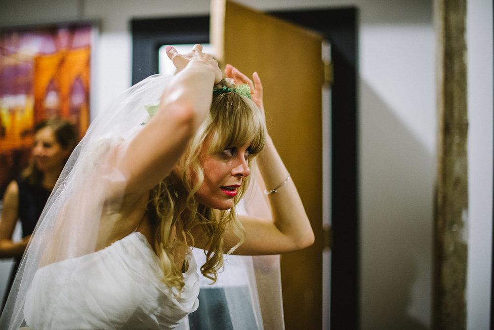 molly-matt-brooklyn-nyc-greenpoint-loft-wedding-lawrence-braun-lwrncbrn-Hi-Res-0194.jpg
