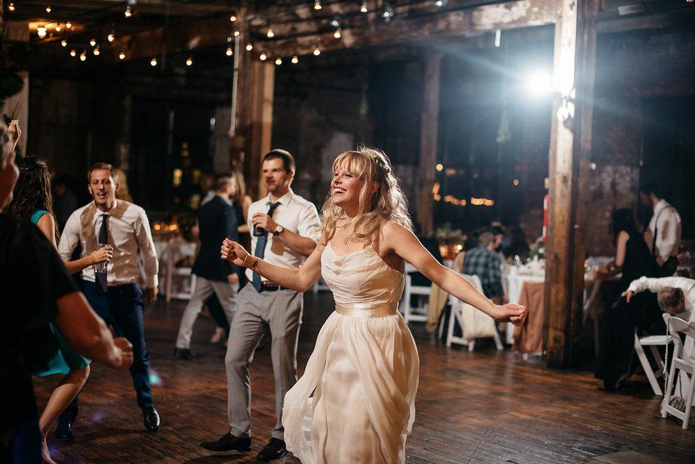 molly-matt-brooklyn-nyc-greenpoint-loft-wedding-lawrence-braun-lwrncbrn-Hi-Res-0940.jpg