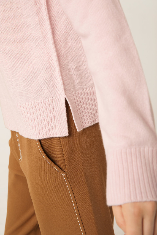 RawEdgeSweater_Rose_Detail_Side_web.jpg