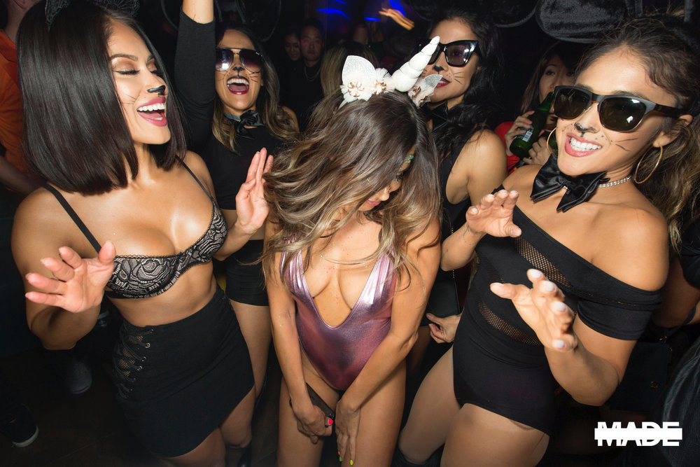 halloween at avenue nightclub (2).jpg