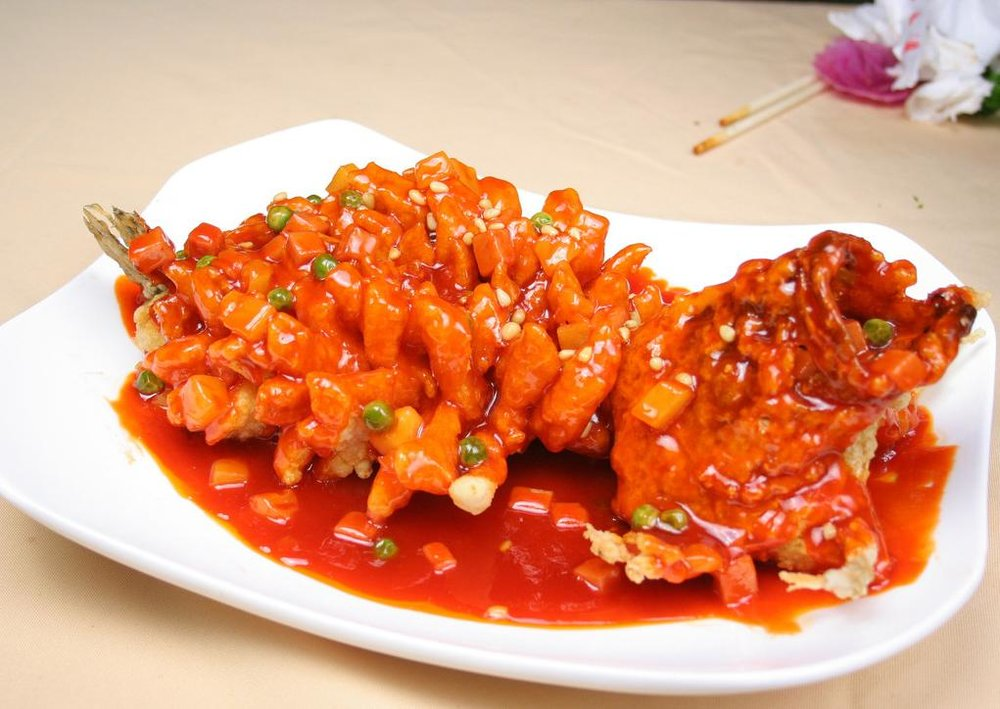 The squirrel-shaped Mandarin fish which is popular at De Yue Liu