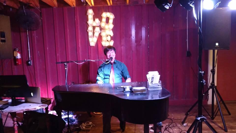 Solo Piano vs  Dueling Piano Shows — Rock It Man Entertainment