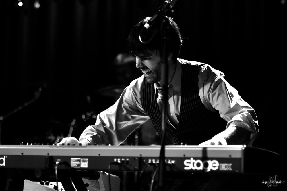Chris Keyboard (Rock It Man Entertainment & Dueling Pianos)
