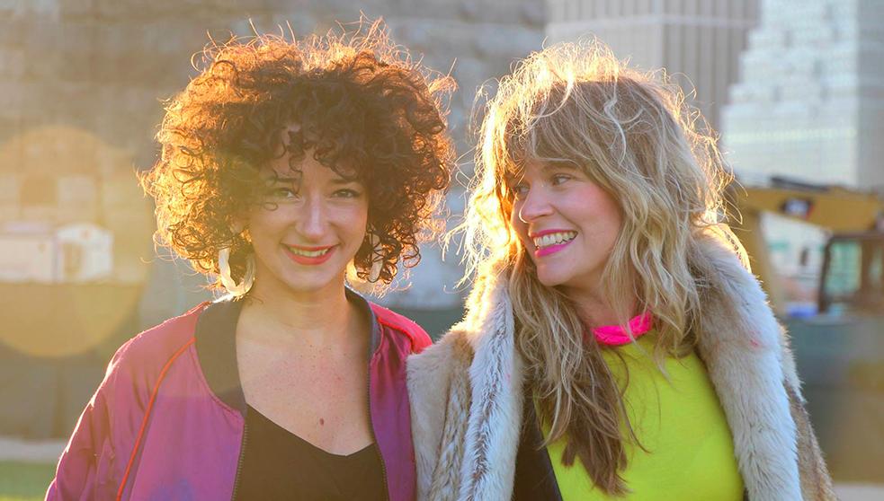 HOLY FAYA Nelly & Célia, parties à l'aventure pour monter leur marque de bijoux imprimés en imprimante 3D, colorés, joyeux et hip-hop. http://www.holyfaya.com/