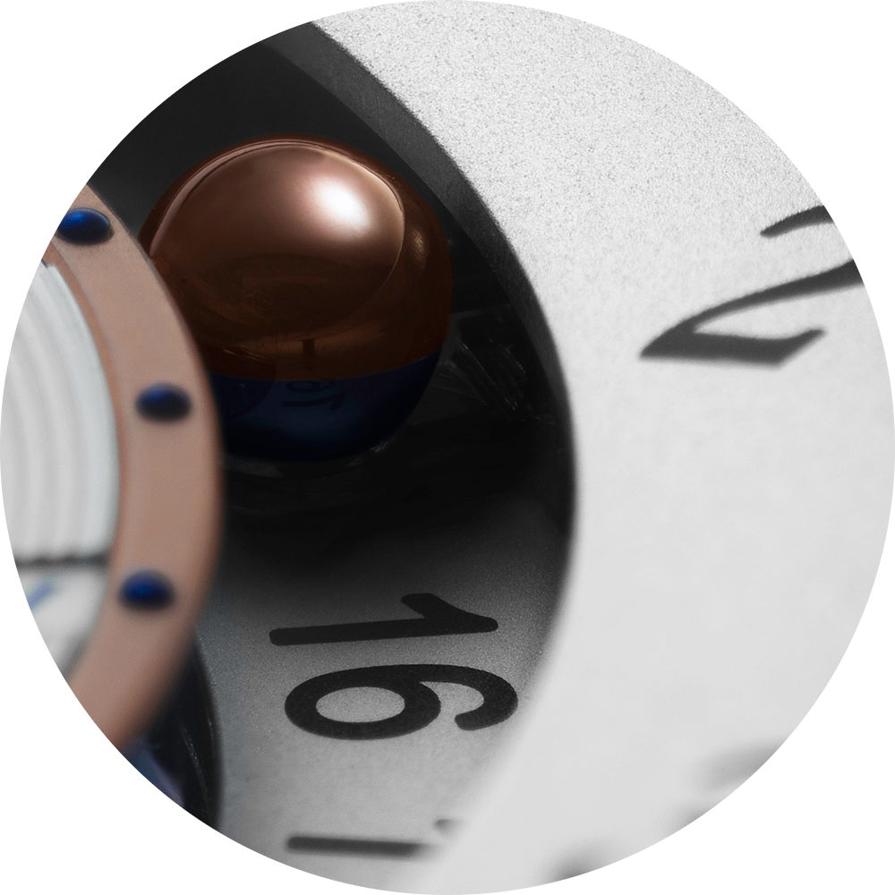 De Bethune World Traveler microsphere close up.png