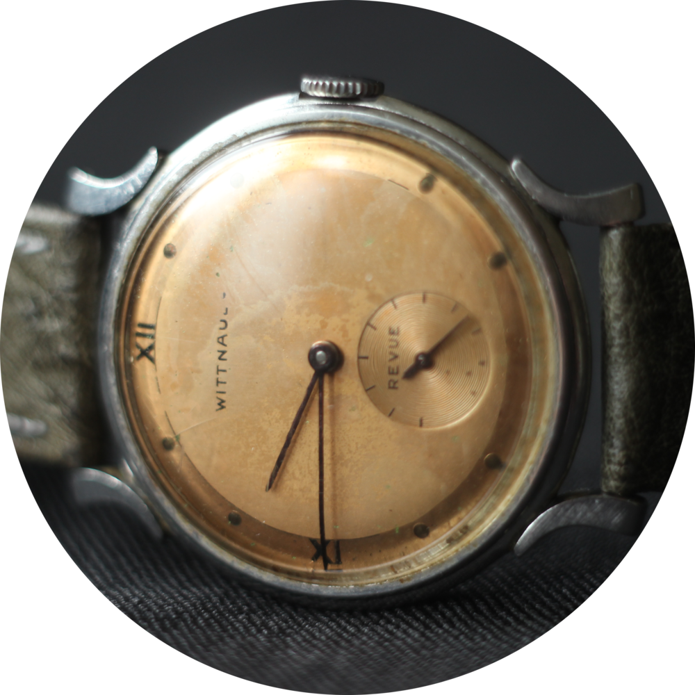 Wittnauer Revue horizontal dial circle.png