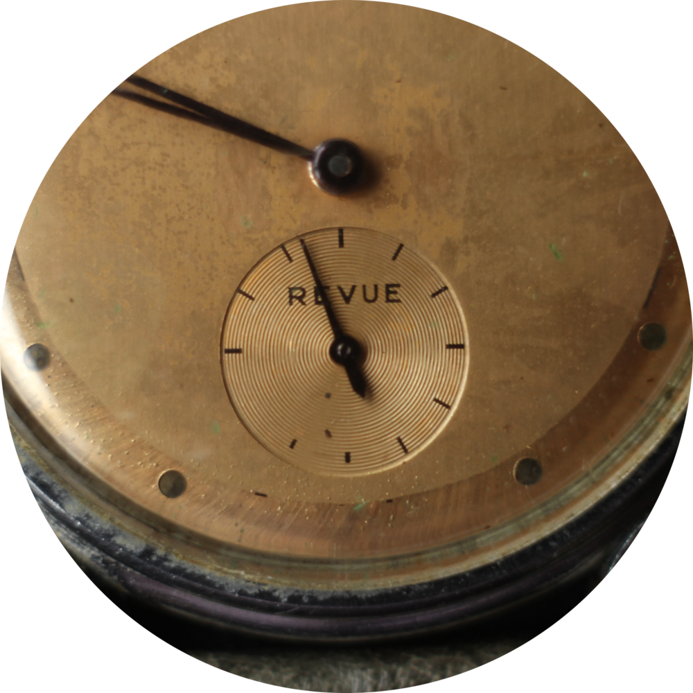Wittnauer Revue Subdial close up circle 2.png
