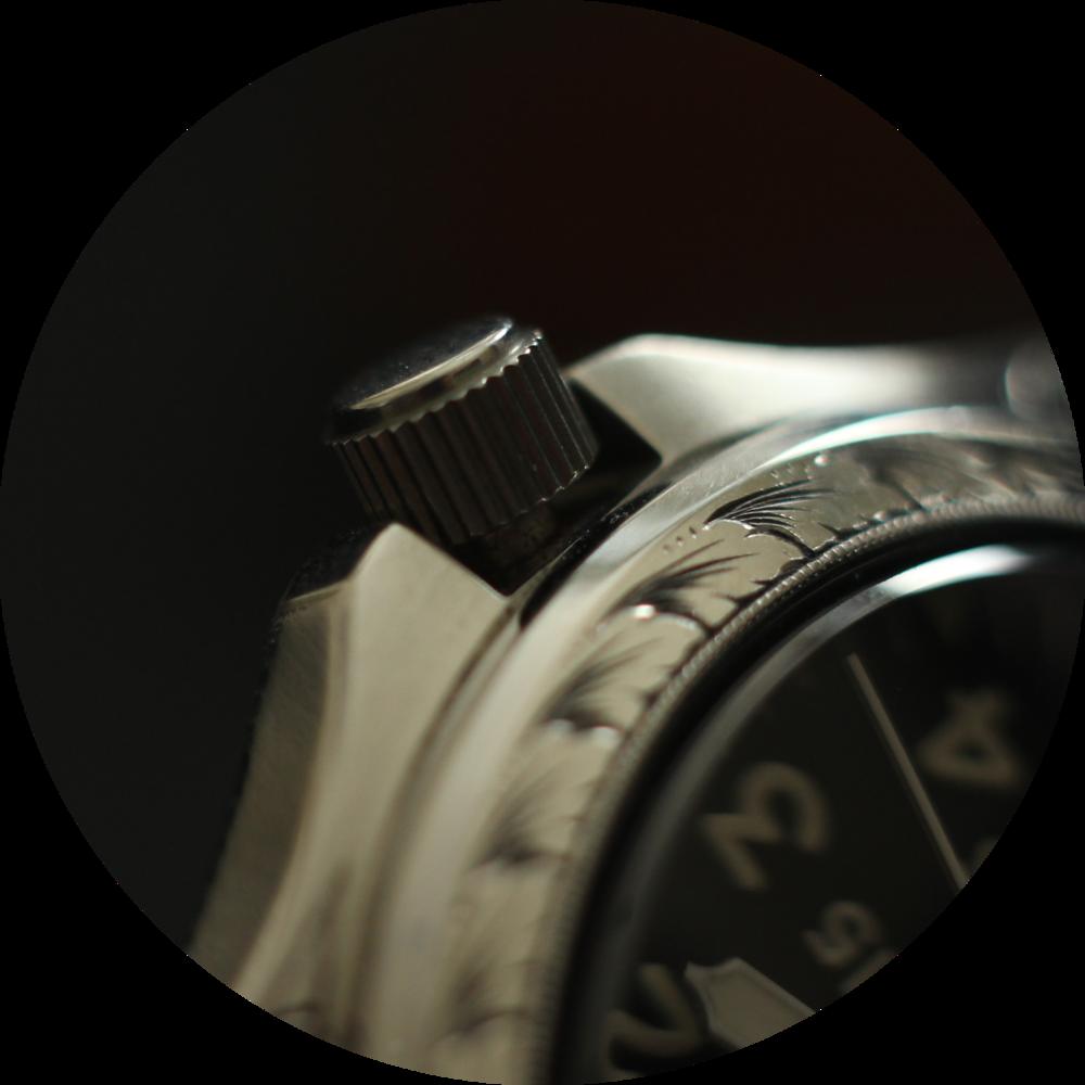 Field watch crown macro circle.png
