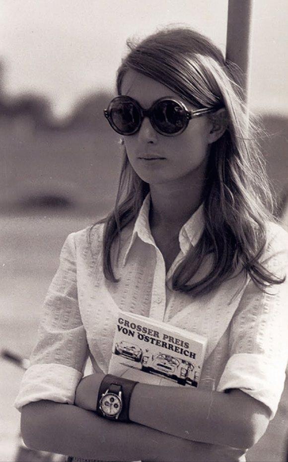 Nina rindt wearing her universal geneve compax.