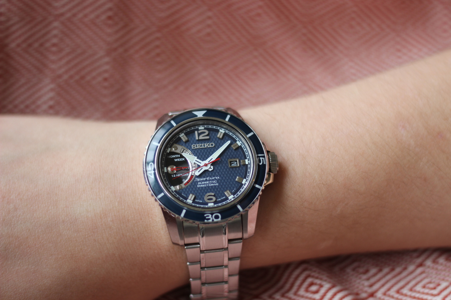 The Best of Both Worlds? : Seiko's Kinetic Watches Explained