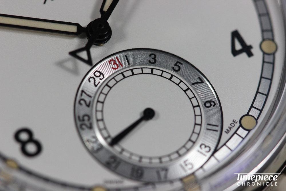 Alpina KM710 dial macro 3.JPG