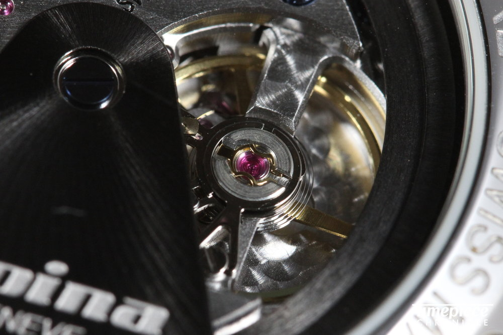 Alpina KM710 movement 5.JPG