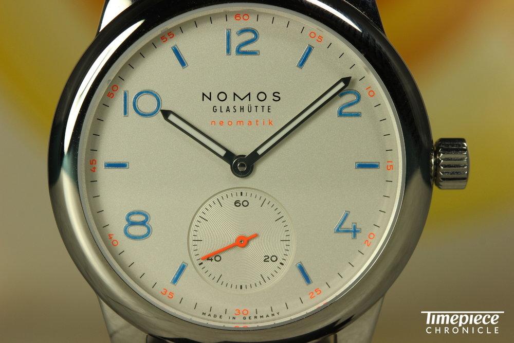 Nomos Club Neomatik dial shot 5.JPG