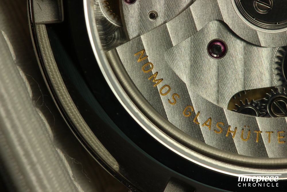 Nomos Club Neomatik movement shot macro 3.JPG