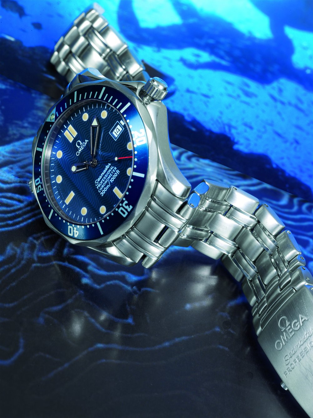 It may be one of the most recognizable Bond watches, but I cannot stand the bracelet on the Seamaster. Sorry everyone. Photo courtesy of Antiquorum.