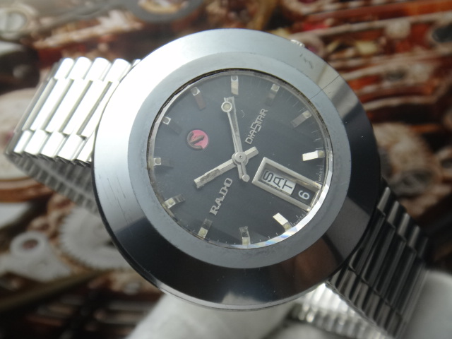 A vintage Rado Diastar. Apart from that dated cased design, there are very little signs of age on the watch.