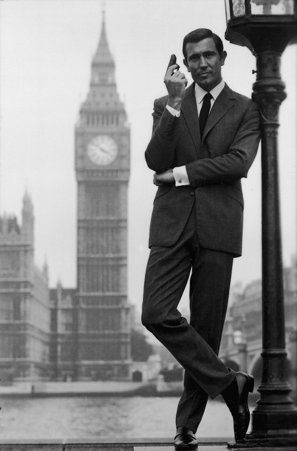 Whatever you think of his acting, Lazenby sure looked the part.