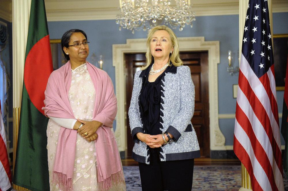 Hillarydipumoni.jpg