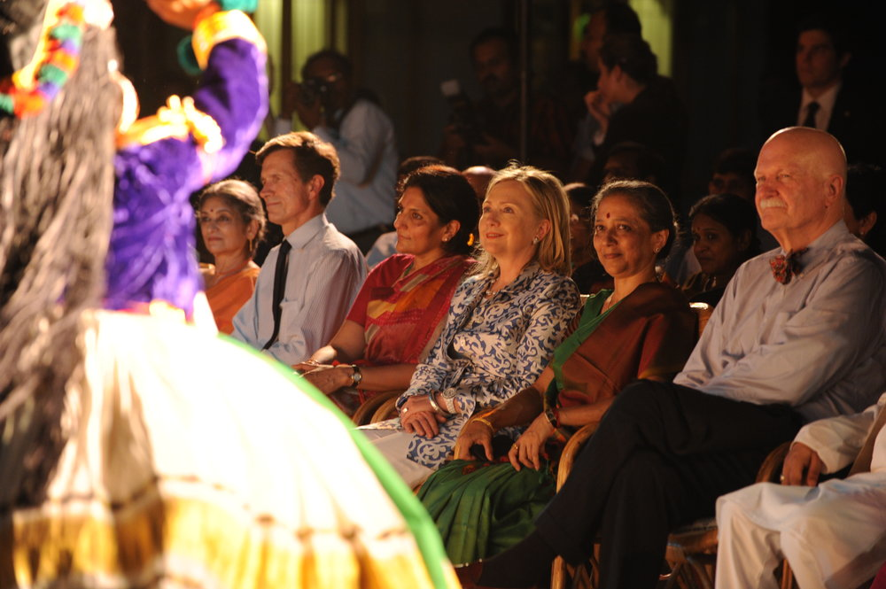 Assistant_Secretary_Blake,_Secretary_Clinton,_Leela_Samson,_and_Ambassador_Burleigh_Enjoy_a_Bharat_Natyam_Performance_(1).jpg
