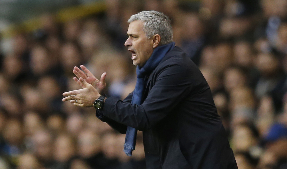 Jose Mourinho, as Chelsea manager, remonstrates with his players against Tottenham Hotspur. Image supplied by Action Images / Paul Childs.