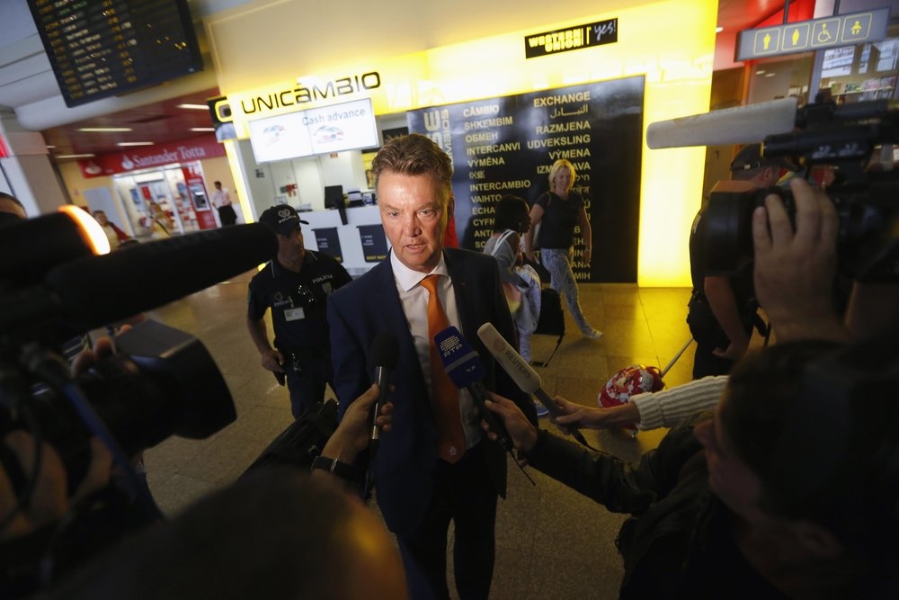 Louis van Gaal has never been a universally popular figure with the press and has had to constantly battle for a positive image. Here, as head coach of the Netherlannds, he speaks with journalists ahead of the 2014 World Cup in Brazil.  Image supplied by Action Images / Rafael Marchante