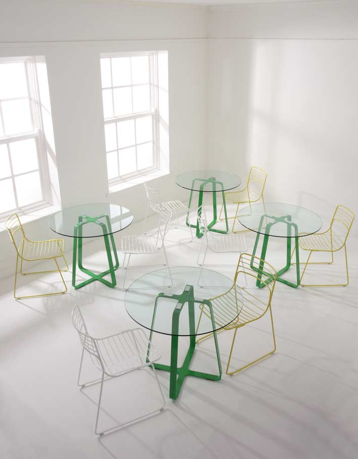frog-table-850-dia-green-frame-glass-top-with-reg-chairs.jpg