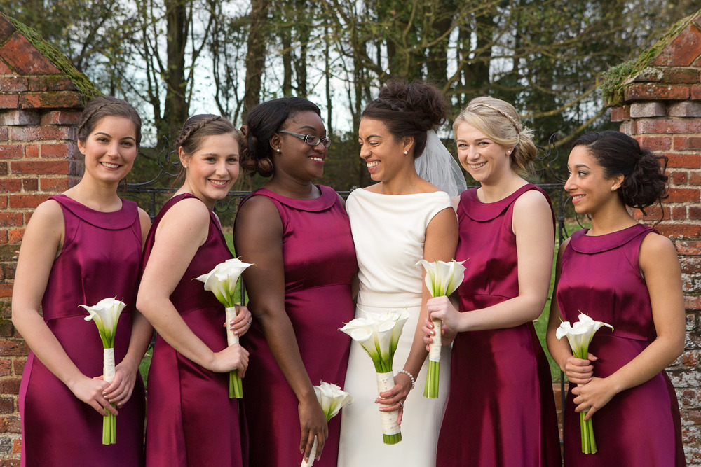bride and bridesmaids with marron dresses - Leez Wedding photography