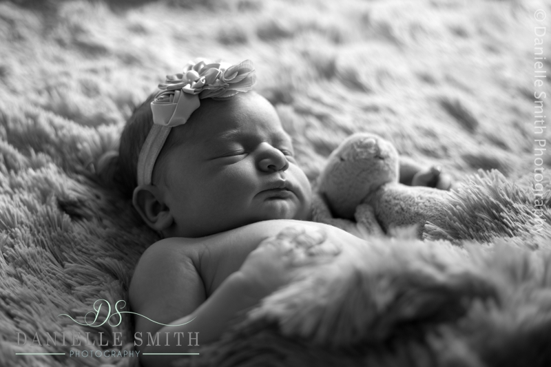 newborn photography hornchurch 3.jpg