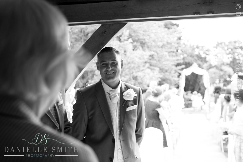 groom waiting for bride at ye olde plough