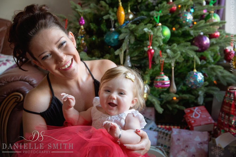 christmas mini session- mum and daughter laughing