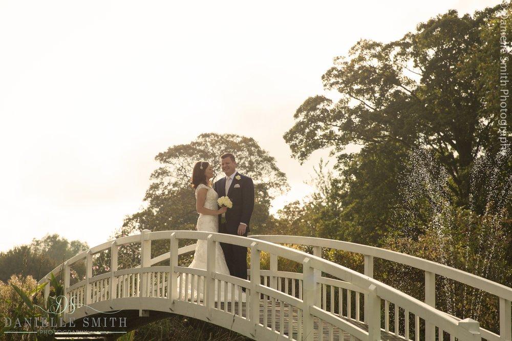 Wedding photography at Fennes- Joanne Rob 23.jpg