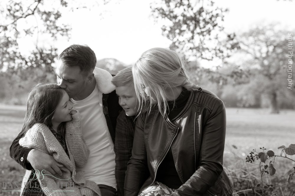 family photography session chelmsford - family sitting in park